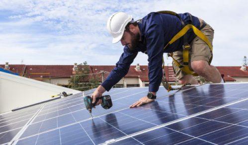 zonnepanelen-installeren-plaatsen